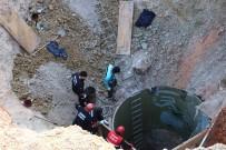 Su Kuyusu Açan 2 İşçi Toprak Altında Kaldı, Kurtarma Çalışması Sürüyor