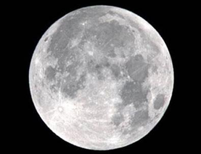 Ay'da 25 dolara arazi satılıyor!