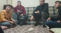 Güneş Sistemini Tartıştıkları Videoları Binlerce İzlenen Konyalı Gençler Konuştu