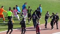 Karaman Belediyespor İle Çengelköy Arasından Oynanan Maçta Gergin Anlar