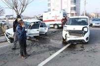 Aksaray'da Otomobiller Çarpıştı Açıklaması 1 Yaralı