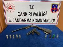 Çankırı'da Ruhsatsız Tüfek Ve Tabanca Ele Geçirildi
