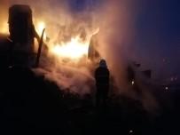 Kastamonu'da Çıkan Yangında İki Katlı Ev Kullanılamaz Hale Geldi