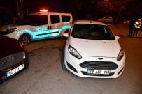 Polisi Gören Aracı Bırakıp Kaçtı