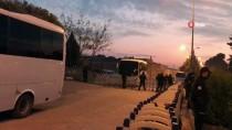 Adana'daki Rüşvet Soruşturmasında Şüpheliler Adliyeye Getirildi