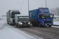 Ağrı'da Yoğun Kar Yağışı Kenti Etkisi Altına Aldı