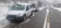 Tunceli'de Trafik Kazası Açıklaması 4 Yaralı