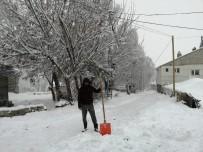 Ağrı'da Yoğun Kar Yağışı Etkisini Sürdürüyor