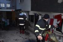 Sinop'ta Ev Yangını Açıklaması Kış Günü Sokakta Kaldılar
