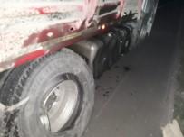 Susurluk'ta Trafik Kazası Açıklaması 2 Yaralı