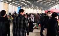 Tokat'ta Kısıtlama Öncesi Pazarda Yoğunluk