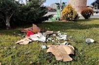 Çöp Kovası Varken Yere Atmayı Seçtiler