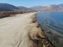 Eğirdir Gölü'nün Su Kodu Son 60 Yılda Aralık Ayının İlk Kez Dip Seviyesini Gördü