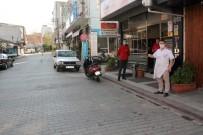 Manyas'ta Cadde Ve Meydanlar Boşaldı