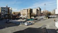 Aksaray'da Sokak Ve Caddeler Kısıtlamada Boş Kaldı
