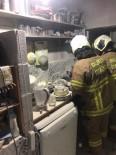 Burhaniye'de Mutfak Yangını Korkuttu