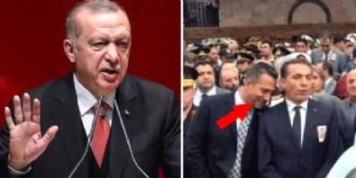 Cumhurbaşkanı Erdoğan bu fotoğrafı hatırlattı: Ahlaksız adam, pişmiş kelle gibi sırıtıyor