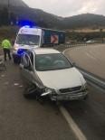 Eğirdir'de Otomobil Bariyerlere Çarptı Açıklaması 1 Yaralı