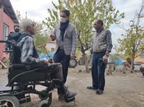 Kaymakamdan Engelli Vatandaşa Tekerlekli Sandalye Sürprizi