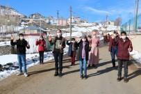 Ağrı'da 'Orda Bir Köy Var Uzakta Projesi' Kapsamında Öğrencilere Spor Malzemesi Hediye Edildi