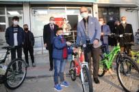 Batman Belediyesinden Şehit Çocuklarına Bisiklet Hediyesi