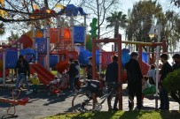 Sinop'ta Parklar Cıvıl Cıvıl