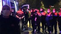 Adana'da Otomobil Sulama Kanalına Devrildi Açıklaması 2 Yaralı