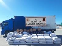Bolu'da Kaçak Ürünlerle Dolu Kargo Araçları Jandarmaya Yakalandı