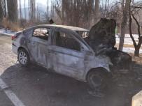 Kars'ta 2 Aracın Kafa Kafaya Çarpışması Sonucu 4 Kişi Yaralandı