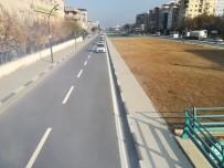 Turgutlu'da Yol Şerit Çizgileri Yenilendi