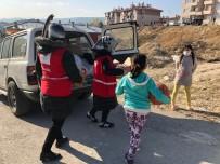 Türk Kızılayı Ekipleri, Karantinada Bulunan İhtiyaç Sahiplerine Gıda Yardımı Yaptı