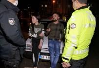 Kısıtlamaya Uymayan Maskesiz Alkollü Sürücü Basına Saldırdı, Polisi İterek Tehdit Etti