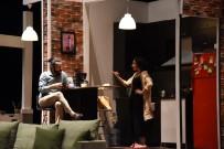 GENEL SANAT YÖNETMENİ - Ayrılık Adlı Tiyatro Oyunu Sahne Aldı