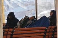ORTA AFRİKA - Ayvalık'ta 43 Düzensiz Göçmen Sahil Güvenlik Ekiplerince Yakalandı