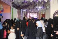 KÜÇÜK KIZ - İç Savaşın Sürdüğü Yemen'de Kadınlar Ayakta Durmaya Çalışıyor