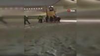 YOLCU UÇAĞI - İran'da Uçak Pistten Çıktı