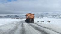 KOZLUCA - Kars'ta Tipiden 181 Köy Yolu Ulaşıma Kapandı
