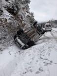 Yoldan Çıkan Hafif Ticari Araç Takla Attı Açıklaması 1 Yaralı