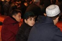 ÖDÜL TÖRENİ - Camiler Yarıyıl Tatilinde Çocuklarla Şenlendi