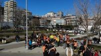 RADYASYON - Kansere Karşı Farkındalık Oluşturmak İçin Turuncu Yelekleriyle Bisiklete Bindiler