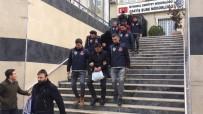 MECIDIYEKÖY - Kendilerine Polis Süsü Veren Çete Çökertildi