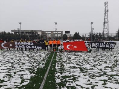 Isparta'daki Genç Takımlardan İdlip'e Pankartlı Başsağlığı Mesajı