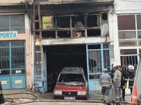 Kaporta Dükkanında Çıkan Yangında 1 Araç Yandı