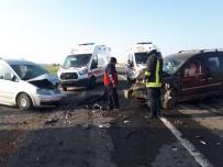Şanlıurfa'da Otomobiller Çarpıştı Açıklaması 6 Yaralı