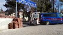 Şanlıurfa'da Petrol Boru Hattından Hırsızlık Yaptıkları İddiasıyla 6 Şüpheli Tutuklandı