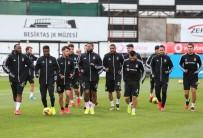 TÜRKIYE VOLEYBOL FEDERASYONU - Beşiktaş'ta Futbolculara Mesaj Gitti Açıklaması 'Evden Çıkmayın'