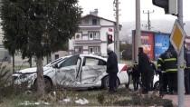 Niğde'de Polis Aracı İle Otomobil Çarpıştı Açıklaması 5 Yaralı