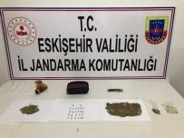 Uyuşturucu Madde Ticareti Yapmak Ve Bulundurmak Suçlarından 2 Kişi Yakalandı