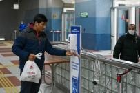 TELEFERIK - Ankara'da Raylı Sistemlere El Dezenfektanları Yerleştiriliyor