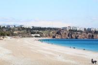 CIHANGIR - Dünyaca Ünlü Konyaaltı Sahilini De Korona Vurdu